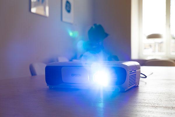 میزان روشنایی مورد نیاز برای پروژکتور در محیط های مختلف