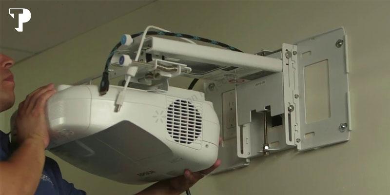 خرید ویدئو پروژکتور Epson EB-685W