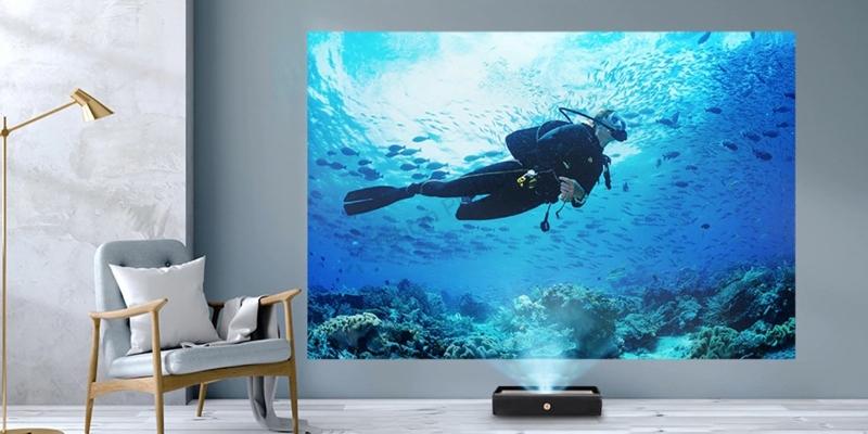 کیفیت خوب صدا و تصویر UHD40 مجهز به اسپیکر داخلی