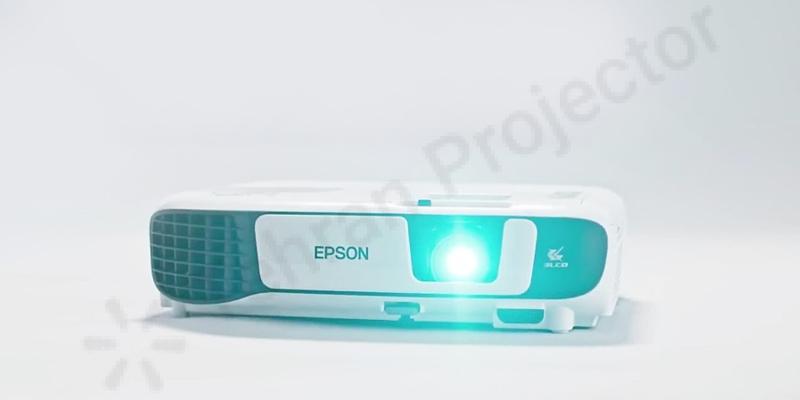 ویژگیهای ظاهری ویدئو پروژکتور Epson EB-W42