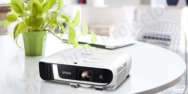 عملکرد و وضوح تصویر ویدئو پروژکتور Epson EB-FH52