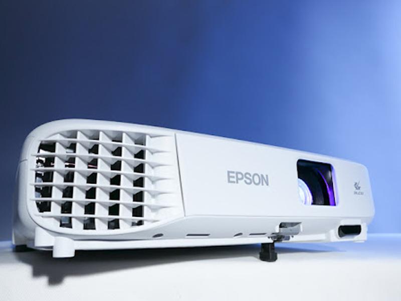 توصیه شرکت اپسون برای نصب پروژکتور Epson EB-E01
