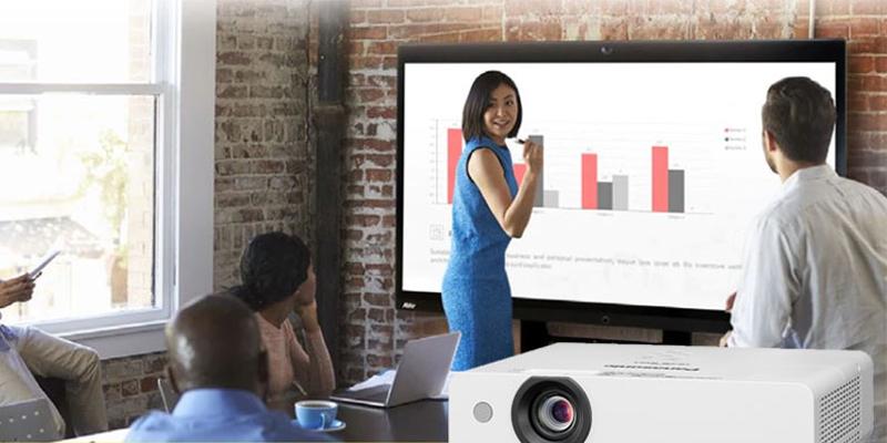 قابلیت شیفت لنز در Panasonic Projector