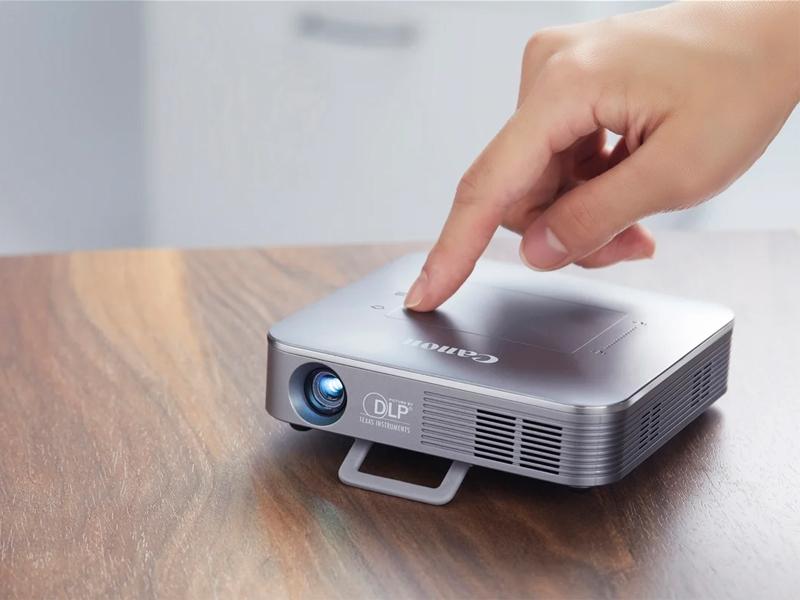 ویدئو پروژکتور Palmtop یک پروژکتور جیبی یا پرتابل مناسب