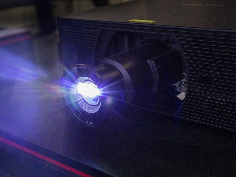 ویدئو پروژکتور لیزری 4k کانن