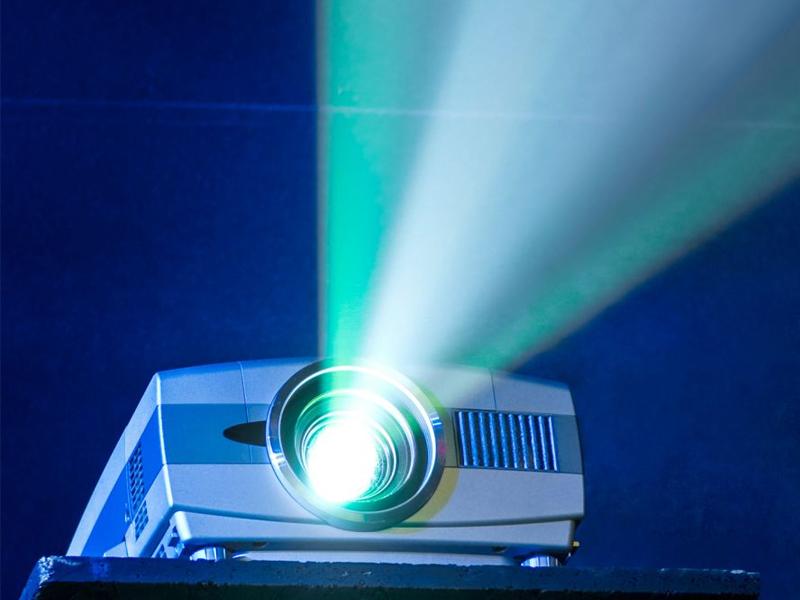 ویژگیهای فنی ویدئو پروژکتور همایش