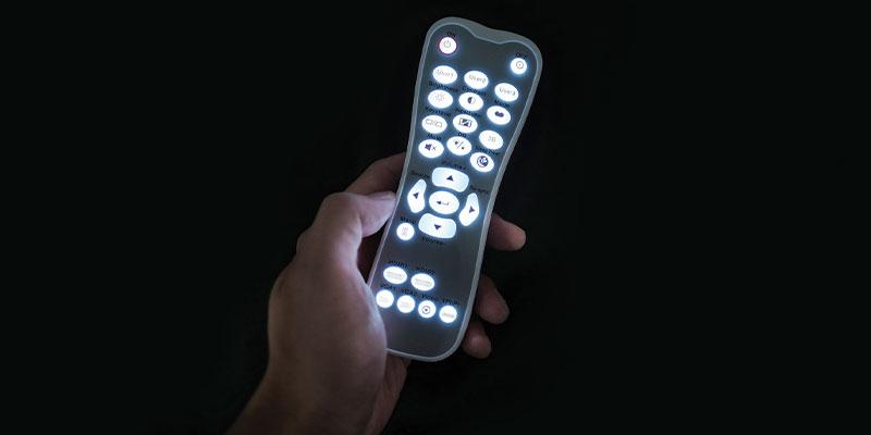 ریموت کنترل با نور پس زمینه در Optoma UHD35