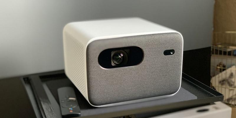 فن ساکت و بلندگوهای قدرتمند ویدئو پروژکتور Mi Smart Projector 2 Pro