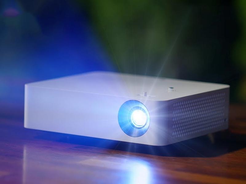 فواید خرید ویدئو پروژکتور مبتنی بر لامپ