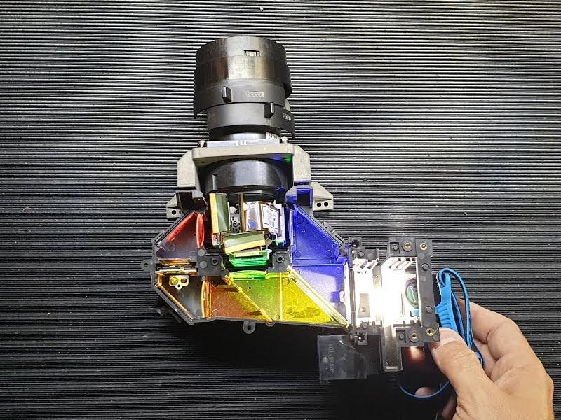 پروژکتورهای فناوری 3LCD ساخت برند اپسون